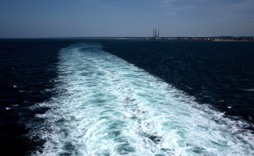 A photograph of a jet-stream from a ferry leaving Hirtshals port